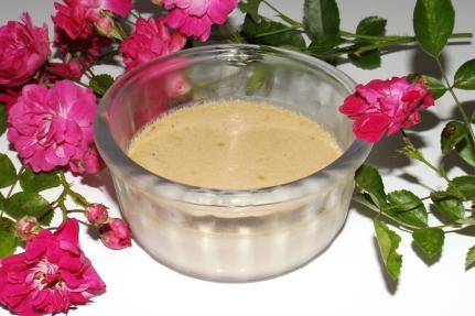Crème au four à la rose sauvage