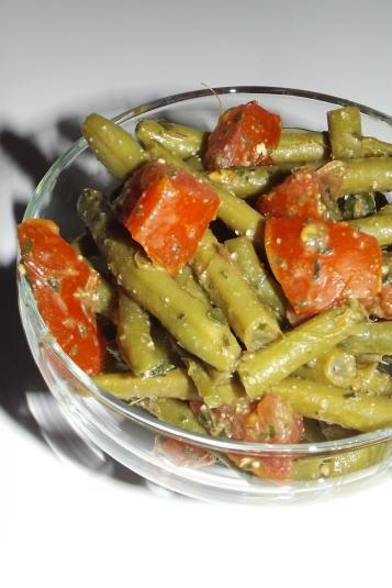 Salade de haricots verts, tomates et pesto de plantain2
